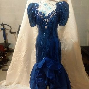 Pageant gown or Prom gown
